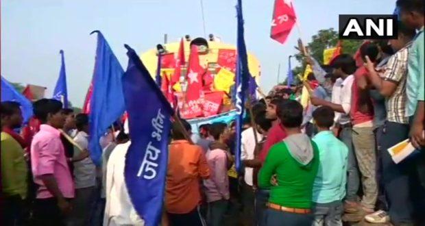 Bharat Bandh Updates: केंद की नीतियों केखिलाफ भारत बंद के दौरान 5 राज्यों में फैली हिंसा मध्यप्रदेश में 4, राजस्थान में 2 की मौत का समाचार